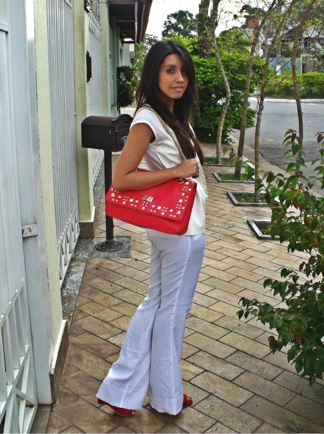 Blusa: Lamis - R$19,00 Calça: Lamis - R$21,00 Sapato: Linda Luz - R$50,00 Bolsa: Arezzo - R$150,00