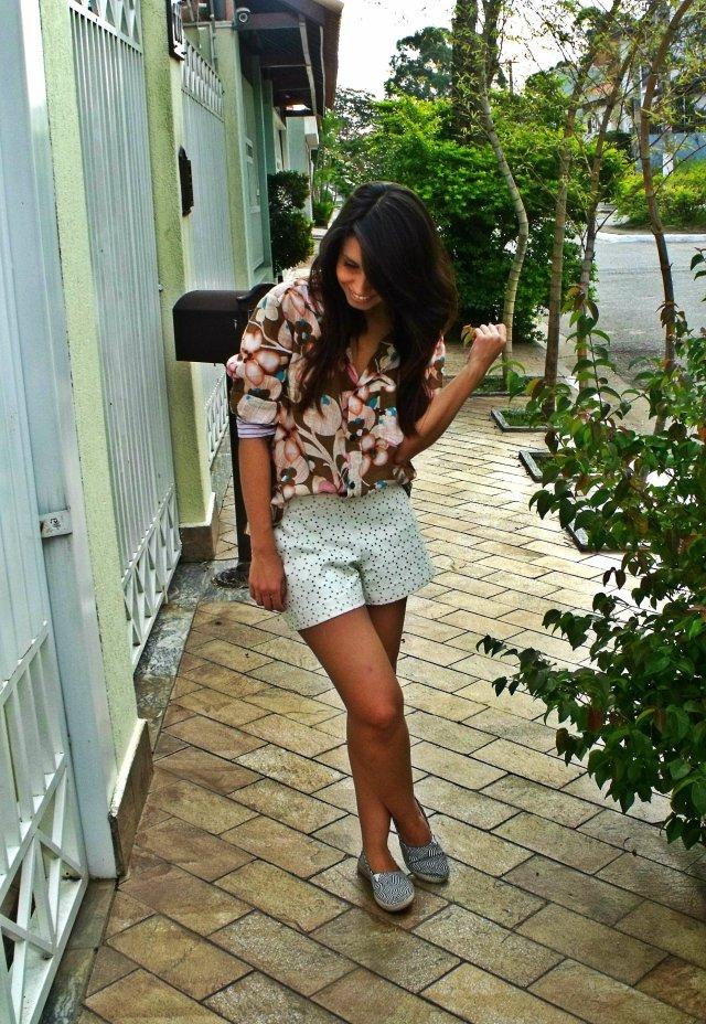 Camisa: Dolce & Gabbana -  R$199,00 Short: Lamis - R$19,00 Sapato: Kallan - R$30,00