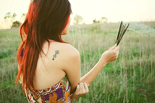 tatuagens-femininas-nas-costas-delicadas-1